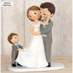 Figura tarta novios con niño